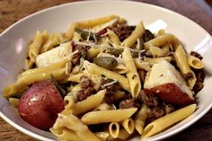 PENNE WITH SAUSAGE, RED POTATOES, AND GREEN BEANS- this a crowd pleaser! thefoodnanny.com