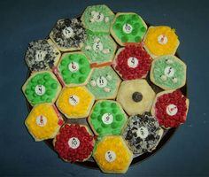 Hilarious... I think I know a few guys who would love these settlers of catan cookies