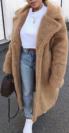 Long Coat Outfit, Winter Coat Outfits, Winter Fashion Outfits, Look Fashion, Fall Outfits, Winter Clothes, Brown Jacket Outfit, Street Fashion, Vintage Winter Fashion