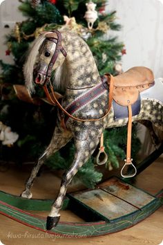 Christmas in the Country ~ Vintage Rocking Horse, Green Victorian Christmas, Primitive Christmas, Country Christmas, Vintage Christmas, Victorian Toys, English Christmas, Victorian Interiors, Woodland Christmas, Antique Rocking Horse