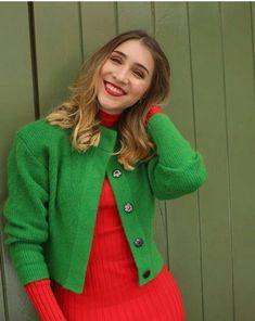 Olga Vives, Sweaters, Fashion, Backgrounds, Moda, Fashion Styles, Sweater, Fashion Illustrations, Sweatshirts