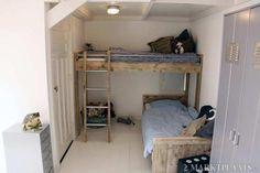 Ambiance chambre d'enfants aux Pays-Bas, avec des lits en bois de récup'. A faire par Dutchwood, visitez www.dutchwood.fr #dutchwood #ddpb #litenfant #chambreenfants #boisderecup #litcabane