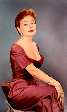 The beautiful, talented, Jeanne Crain , star Old Hollywood Stars, Hooray For Hollywood, Hollywood Glamour, Classic Hollywood, Vintage Hollywood, Vintage Redhead, Vintage Beauty, Vintage Fashion, Jeanne Crain