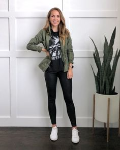 Green Leather Jackets, Leather Jacket Outfits, Leather Leggings, Olive Green Jackets, Olive Jacket Outfit, Army Green Jacket Outfit, Green Shirt Outfits, Graphic Tee Outfits, Graphic Tees