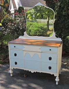 Great idea for my great~grandmother's bedroom set. I really must get back into painting furniture again.....