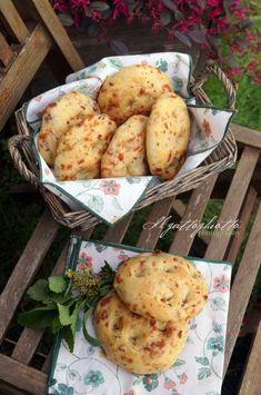 Focaccine con pancetta, formaggio ed erbe aromatiche - IlGattoGhiotto.it