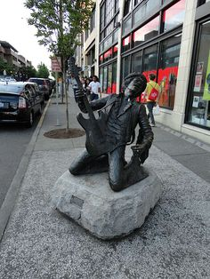Jimi Hendrix statue in Capitol Hill. So many great musicians came from Seattle!