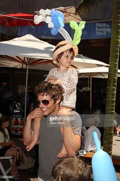 Host/actor James Marsden and daughter Mary James Marsden attend the EB Medical Research Foundation picnic presented by Sinupret for Kids and Yogen Fruz held at The Malibu Lumber Yard on June 28, 2009 in Malibu, California. With TheSooziShow.com balloons!