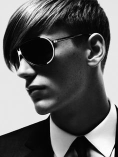 effa90b44567 Dior Homme Summer 2007 by HEDI SLIMANE Skinny Suits