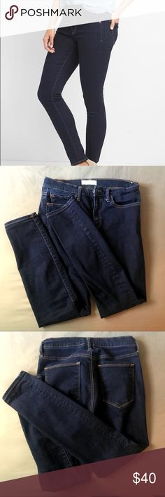 Gap True Skinny Jeans Classic pair of skinny jeans, dark wash makes them great for casual outfits or a more nighttime look with booties and a jacket.  - Size 28 - Great condition, rarely worn - Dark wash - Nonsmoking house GAP Jeans Skinny
