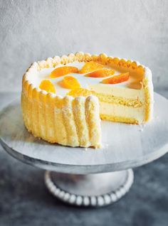 This gorgeous citrusy charlotte cake is made with homemade ladyfinger cookies! Dessert Charlotte, Charlotte Cake, Best Ever Chocolate Cake, Chocolate Guinness Cake, Pudding Au Caramel, Sticky Toffee Pudding, Mini Cakes, Cupcake Cakes, Bundt Cakes