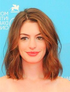 Anne Hathaway Short Wavy Hairstyles Top Fall Hairstyles – Curly ...
