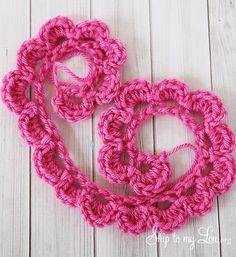 easy crochet rose tutorial ✿Teresa Restegui http://www.pinterest.com/teretegui/✿
