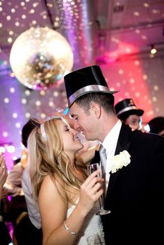 New Year's Eve Wedding - PHOTO SOURCE • HOLLY GRACIANO PHOTOGRAPHY