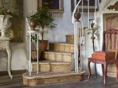 les plus belles deco maison de charme | Une ambiance rétro-chic en Provence - Le Royaume du Monde