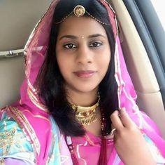 🐙🐙🐙 Bridal Lehenga, Beautiful Smile, Indian Girls, Atc, Veil, Saree, Selfie, Beauty, Fashion