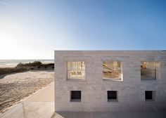"""House by Alberto Campo Baeza designed as """"a jetty facing out to sea"""""""
