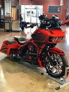 Harley Bagger, Bagger Motorcycle, Harley Bikes, Ninja Motorcycle, Motorcycle Tips, Custom Street Glide, Custom Street Bikes, Custom Bikes, Triumph Motorcycles