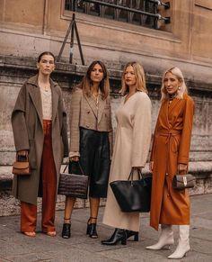 . Fashion Week Paris, New York Fashion, Look Fashion, Fashion Outfits, Womens Fashion, Fashion Trends, Fashion Edgy, Fashion Weeks, Fall Fashion