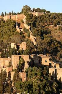Forteresse de Gibralfaro, Malaga, Espagne D'en haut, on a une vue superbe de la ville et du port de Malaga.