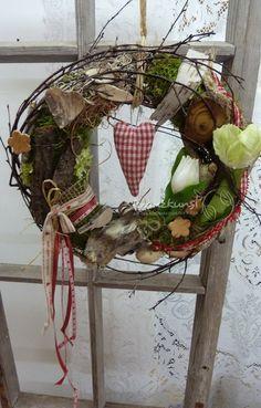 NATUR ♥Landhausfrühling♥ Frühlingskranz rot weiss von ♥♥ kranzkunst ♥♥ auf DaWanda.com