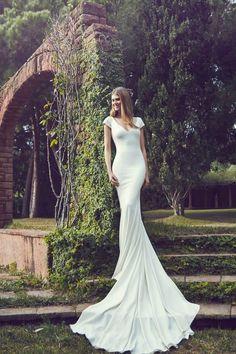 Robe de mariée simple avec des manches courtes