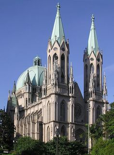 Metropolitan Catedral of Sao Paulo,Brasil! Gothic Revival Architecture, Religious Architecture, Beautiful Architecture, Brasil Travel, Voyager Loin, Cathedral Church, Place Of Worship, Kirchen, Dom