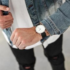 The Brushed Silver ✖️ The perfect everyday staple.. for more options grab a Natural or Tan pure kangaroo hide strap ⌚️
