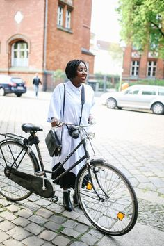 The Look- Cycle Chic — Herz und Blut - Interior Look Cycle, Dutch Bike, Fashion Looks, Cycle Chic, Bike Style, Cycling, Blog, How To Wear, Bicycles
