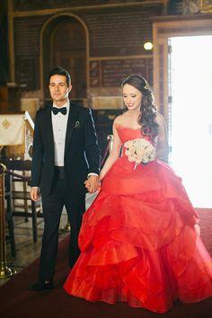 Elegant γαμος με κοκκινο Vera Wang νυφικο|Belinda & Jon  See more on Love4Weddings  http://www.love4weddings.gr/elegant-wedding-red-vera-wang-wedding-dress/