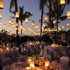 #WeddingTip Add even more romance to your special day using floating lanterns. One of our favorite picks! #weddingwednesday Photo: Santana Photography http://gelinshop.com/ipost/1521849899280639589/?code=BUesmuYFiZl