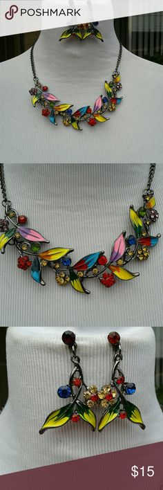 TROPICAL ISLAND NECKLACE SET NWT Colors of the islands 2 inch extender Jewelry Necklaces