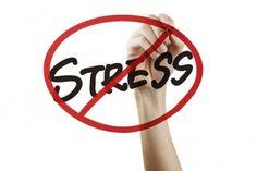 Stress opfattes i dag af mange som en konkret diagnose. Det giver anledning til sygemelding og forkert fokus. Men stress er IKKE en diagnose. Det er en reaktion. Det betyder, at mennesker, der oplever stress-symptomer, ikke får den rigtige behandling