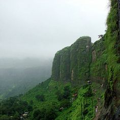 The Holy Mountains of Brahmagiri #Trimbakeshwar #photooftheday #photography #mountains #GreenMumbai #naturelover #nasik #India #incredibleindiaofficial #india_ig #green #MaharashtraTimes #MumbaiMeriJaan #Mumbaikar #MumbaiLocals #MumbaiLife #MumbaiCity #Hinduism #IndianTemples #Delhigram #Chennai #Kolkata #Chennai #Assam via @piyushdingore2511