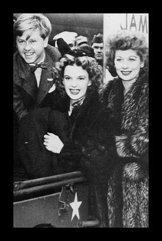 WAR BONDS RALLEY - Mickey Rooney, Judy Garland & Lucille Ball - 1940s.