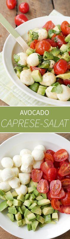 Schneller Caprese-Salat mit Avocado, Tomaten und Mozzarella - Gaumenfreundin Foodblog #schnellerezepte #gesunderezepte #salatrezepte #grillbeilagen #grillrezepte #vegetarischerezepte