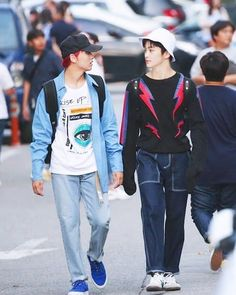 Find images and videos about love, kpop and nct on We Heart It - the app to get lost in what you love. Girl Falling, Mark Lee, Nct 127, Family Humor, Funny Family, Jung Woo, Kpop Fashion, Super Quotes, Boyfriends
