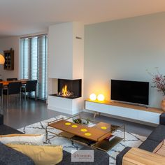 Living Room Decor Fireplace, Basement Living Rooms, Home Fireplace, Fireplace Design, Small Living Rooms, Living Room Interior, Home Living Room, Living Room Designs, Monochromatic Living Room