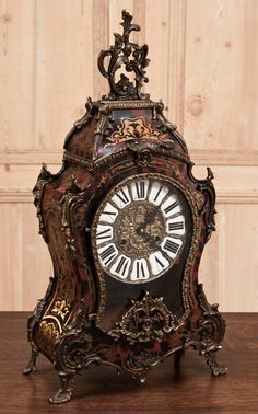Antique French Louis XIV Tortoiseshell Clock No, no, this is Cogsworth from beauty and the Beast ! Clock Antique, Antique Decor, Antique Furniture, Mantel Clocks, Old Clocks, Vintage Clocks, Louis Xiv, Antique Stores, Antique Items