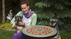 Výtvarnice Petra Šafářová na léto vytváří venkovní nábytek, který vydrží věčně.