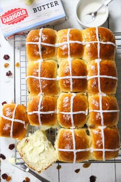 Warm fluffy sweet rolls made with dried cranberries and raisins Serve this brioche hot cross buns recipe toasted with salted butter for an Easter morning treat hotcrossbuns easterbuns easterbread brioche briochebuns Easter Dinner Recipes, Brunch Recipes, Dessert Recipes, Easter Brunch, Easter Desserts, Sweet Buns, Bun Recipe, Tasty Recipe, Best Bread Recipe