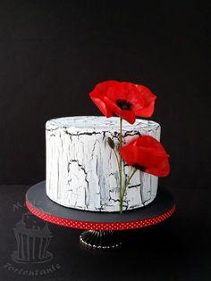 Black and white with poppy - Cake by Monika Pretty Cakes, Cute Cakes, Beautiful Cakes, Amazing Cakes, Girly Cakes, Fancy Cakes, Bolo Fashionista, Fondant Cakes, Cupcake Cakes