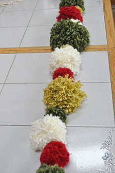 Yarn Pom Pom Garland Tutorial