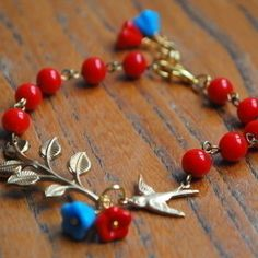 LEAFY Turquiose and Red Bead Bracelet........