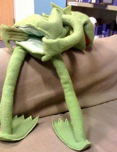 Here's the reason why Kermit and Miss Piggy have split up. Funny As Hell, Haha Funny, Funny Memes, Funny Stuff, Funny Shit, Funny Things, Stupid Things, Random Stuff, Nice Things