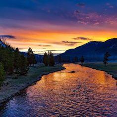 #yellowstone #dusk #twilight #sunset #travel #destination #nature #scenery #river #wallpaper #traveling #calm