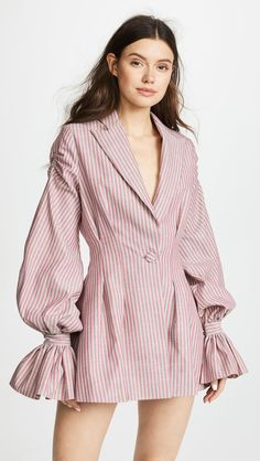 Create a Capsule Wardrobe On a Budget: 10 Spring Outfits - Classy Yet Trendy Blazer Dress, Dress Up, Smock Dress, Shirt Dress, Fashion Details, Fashion Design, Fashion Trends, Fashion Hacks, Mode Abaya