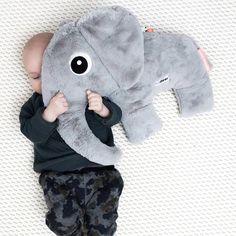 Knuffel elphee de olifant grijs XL - Done by Deer #cuddly #baby #toy #elphee #donebydeer #littlethingz2