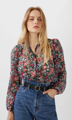 Camisa manga abullonada estampada - Camisas de mujer | Stradivarius España