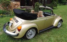 Classic Car News Pics And Videos From Around The World Vw Super Beetle, Beetle Bug, Vw Beetles, Vw Modelle, Van Vw, Vw Cabrio, Vw Beetle Convertible, Bug Car, Engin
